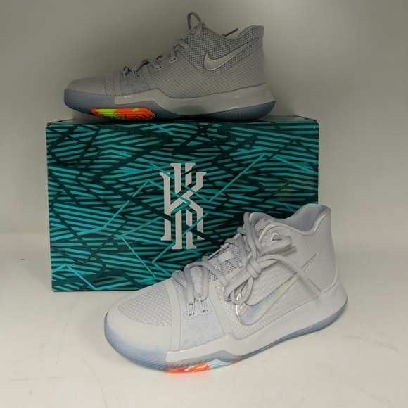 low priced f066d 95731 Nike Kyrie 3 TS (GS) Basketball Shoe